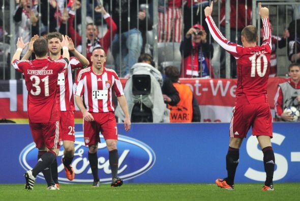 Tras una escapada por la banda izquierda, Ribery salvó el triunfo del Ba...