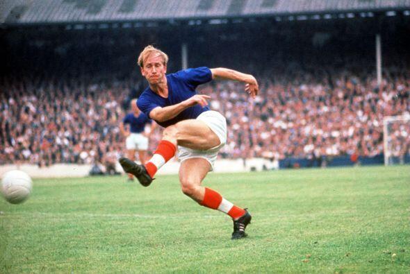 El primero llegó en 1968, con un grupo de talentosos futbolistas en su p...
