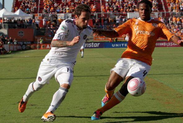 El Dynamo y el Fire se hicieron daño mutuo en la carrera a la postempora...