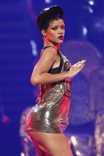 La retaguardia de Rihanna no es de las más grandes, pero sí de las más r...
