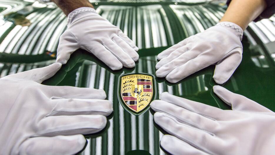 El Porsche 911 número un millón en fotos high_the_one_millionth_911_prod...