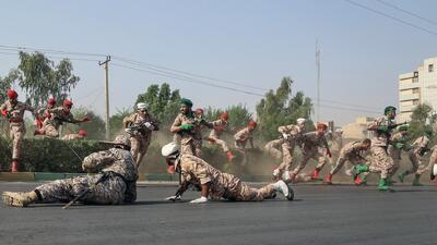 Un atentado terrorista deja decenas de muertos y heridos durante un desfile militar en Irán