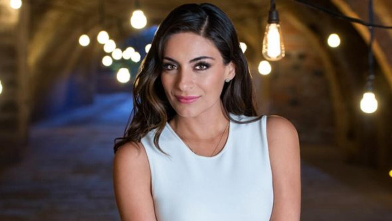 Es una mujer atractiva y emprendedora, hija adoptiva de Jorge Prado y el...