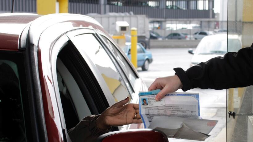 Cubrir tu automóvil con una póliza de seguros de responsabilidad civil e...