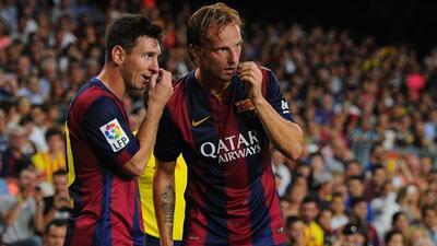 Rakitic parece a gusto en un plantel con figuras como Messi.