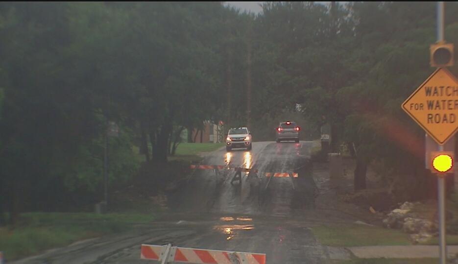 Residentes en el centro de Texas fueron evacuados debido a las lluvias 9...