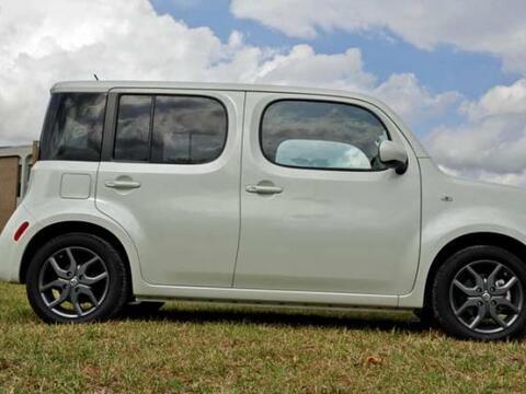 Esta crossover compacta se destaca por su diseño y estilo. Se tra...