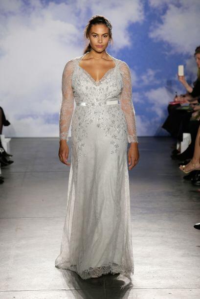 Aquí los mejores modelos de la diseñadora Jenny Packham.