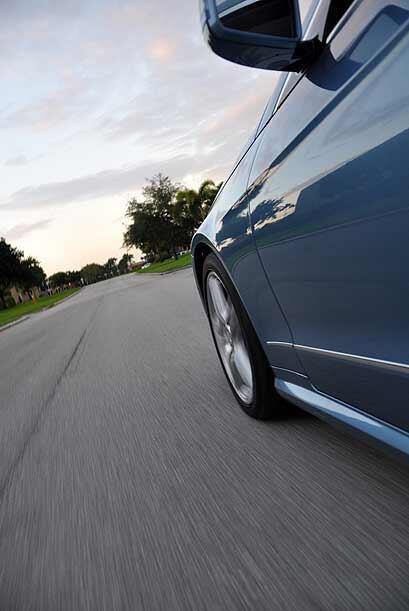 El E550 puede moverse de 0 a 60 millas por hora de velocidad en 5.1 segu...