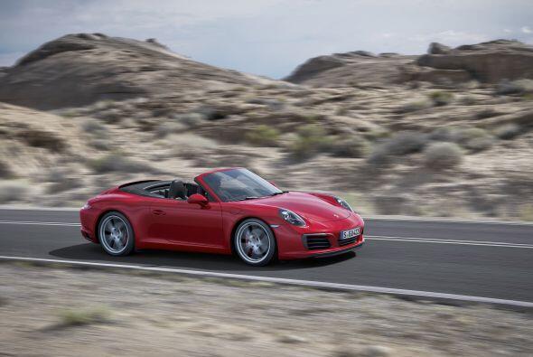 El Carrera desarrolla 370 caballos de potencia y 331 libras-pie de torqu...