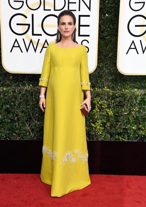 Nathalie Portman, embarazadísima de su segundo hijo, eligió a Prada para...