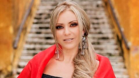 Daniela Castro alerta a sus fans al descubrir que alguien robó su...