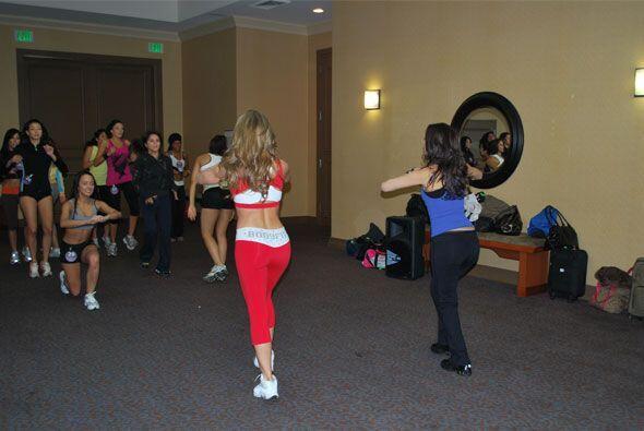 Claudia les explicó la manera correcta de hacer cada ejercicio.