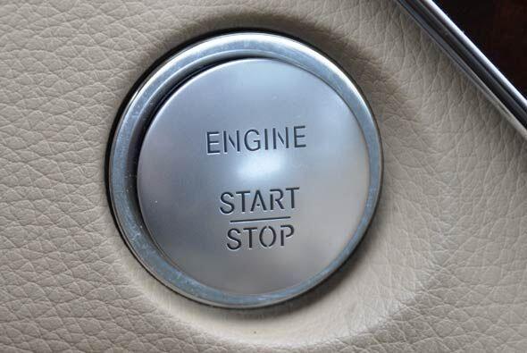 El auto está pensado para consentir al conductor, por eso le facilita al...