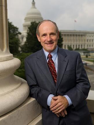 14. James E. Risch (R-Idaho): Risch es un abogado que ha logrado negocio...