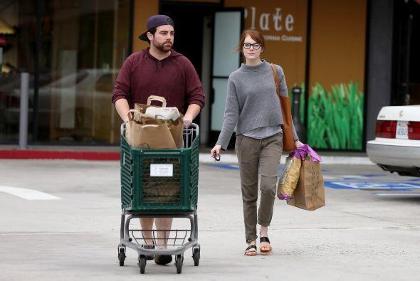 La estrella de 'Birdman' salió a hacer sus compritas en el supermercado.