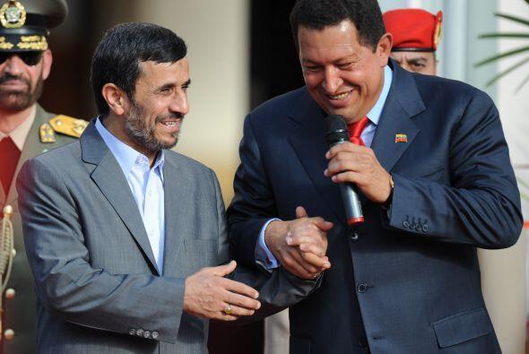 Mahmud Ahmadinejad. El mandatario iraní y su homologo venezolano Hugo Ch...