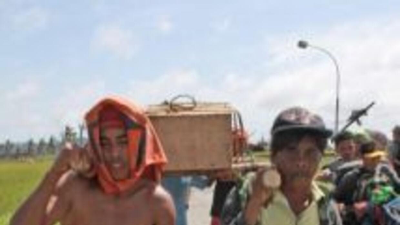 Los rostros de la desolación en Filipinas. (Getty)