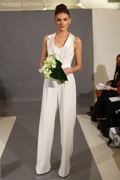 Si eres una novia vanguardista olvídate del tradicional vestido de princ...