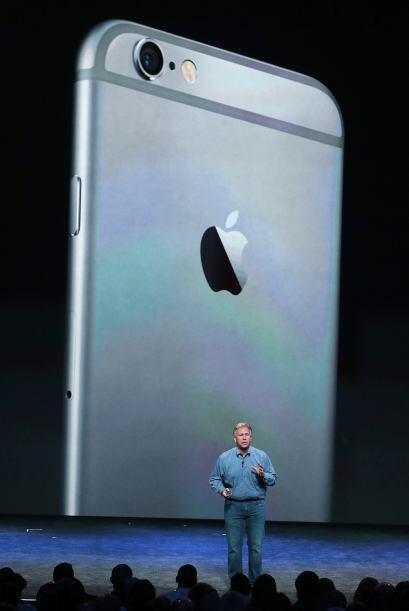 El smartphone de Apple cambia, así, por tercera vez de tamaño.