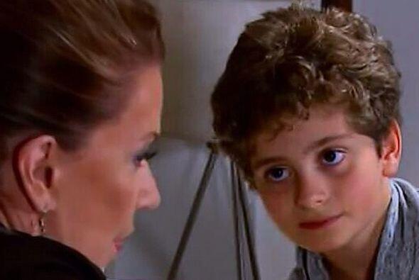 """A este guapo niño lo vimos darle vida a """"Pablito"""", el hijo de """"Esmeralda..."""