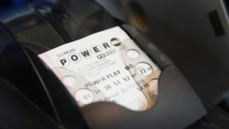 Un hombre que había ganado un premio de lotería se suicidó después de di...