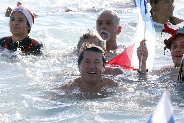 Y se le vio muy contento en la plazas de Niza.
