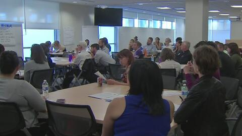 Maestros de escuelas chárter en Chicago buscan actualizar su sindicato