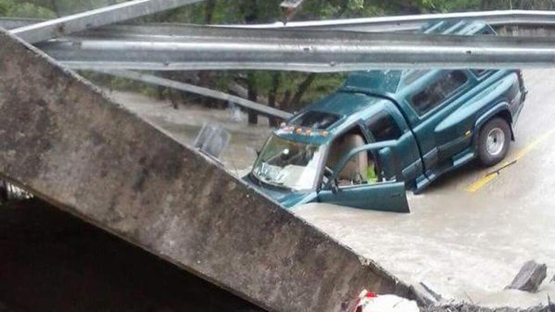 El puente afectado fue el FM 118