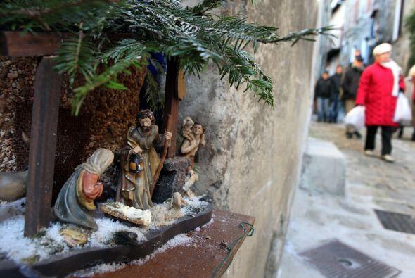 Los segundos en importancia en el nacimiento son la virgen María,...