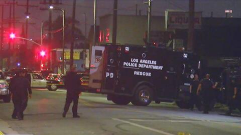 Sospechoso atrincherado en una vivienda en el sur de Los Ángeles se suicidó