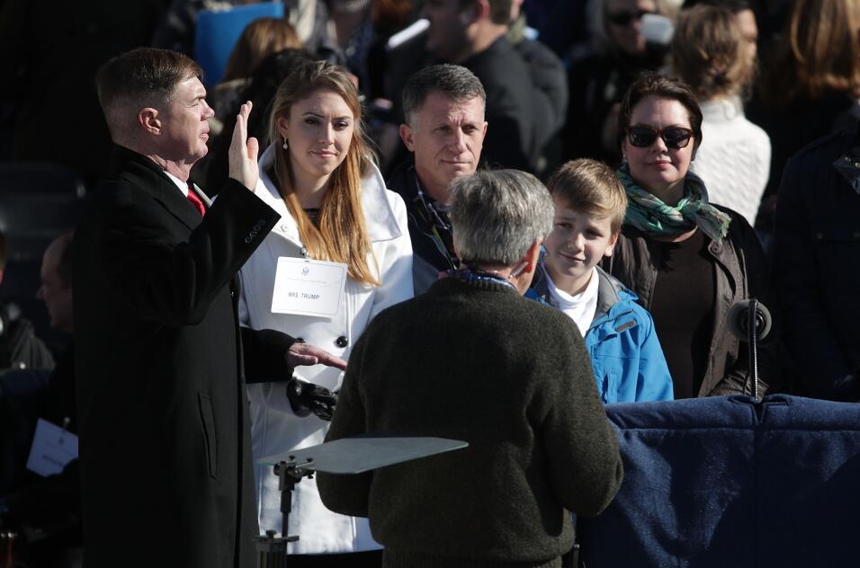 Los dobles de Donald y Melania Trump durante los ensayos en el Capitolio...