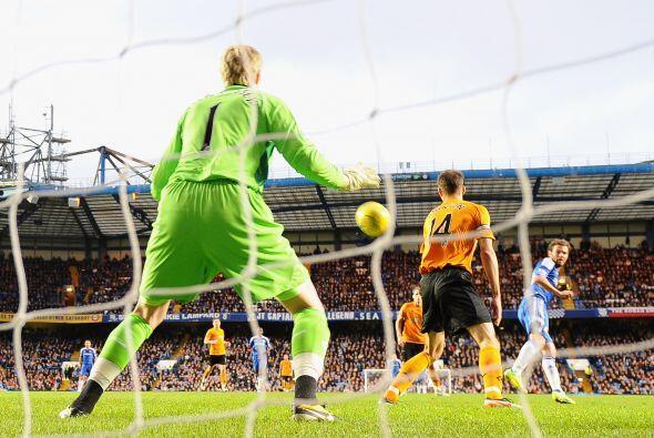 El español Juan Mata cerró la goleada con una bonita definición.