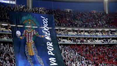 """""""¡Que les paguen, qué les paguen!"""", el grito de la afición tras el título de Chivas"""