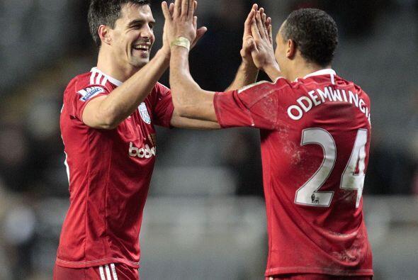 En partido lleno de goles y emociones, el West Brom sacó la inesperada v...