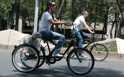 Ser ciclista y mujer en una gran ciudad tiene sus problemas, pero en Ciu...