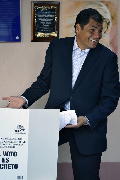 """En el acto inaugural, Correa afirmó que """"es una día de fiesta, los ciuda..."""