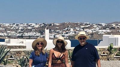 Raúl de Molina aprovecha sus vacaciones en Grecia con Mía antes de que se vaya a estudiar