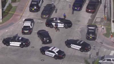Varias patrullas de la Policía de Miami Beach se desplegaron en el área.