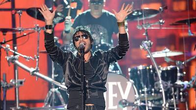 La gira del cantante chileno Beto Cuevas llega a California