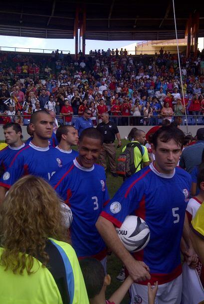 """Y el """"Huracán Azul"""". Puerto Rico apoyado por su gente."""