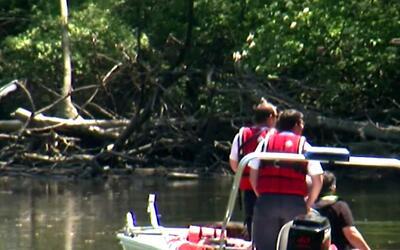 Hallan el cuerpo del joven que saltó de un puente al río Des Plaines y s...