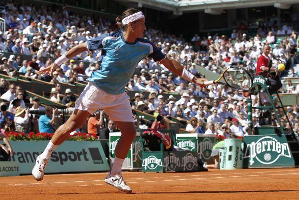 Pero Federer se impuso por 6-3, 6-4 y 7-6 (7/3) a López (foto), q...