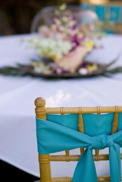Las clásicas sillas 'tiffany' pueden ser decoradas con bandas de...