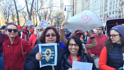 A viva voz, cientos reclaman por los derechos y el lugar de las mujeres en la sociedad