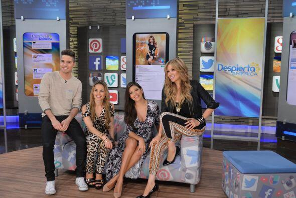 Thalía estaba muy emocionada con el recuento de su paso por las redes, q...
