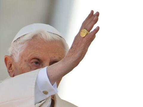 El papa Benedicto XVI, que anunció su renuncia al pontificado el...