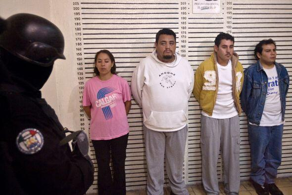 De izquierda a derecha Lorena González, Cañas Noé C...