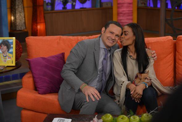 Alan fue un suertudote porque Michelle hasta lo besó.