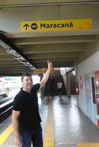 Alberto llegando a la estación Maracaná del Metro de Río de Janeiro.